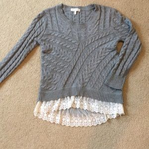 Gray cable knit sweater with white lace 💕